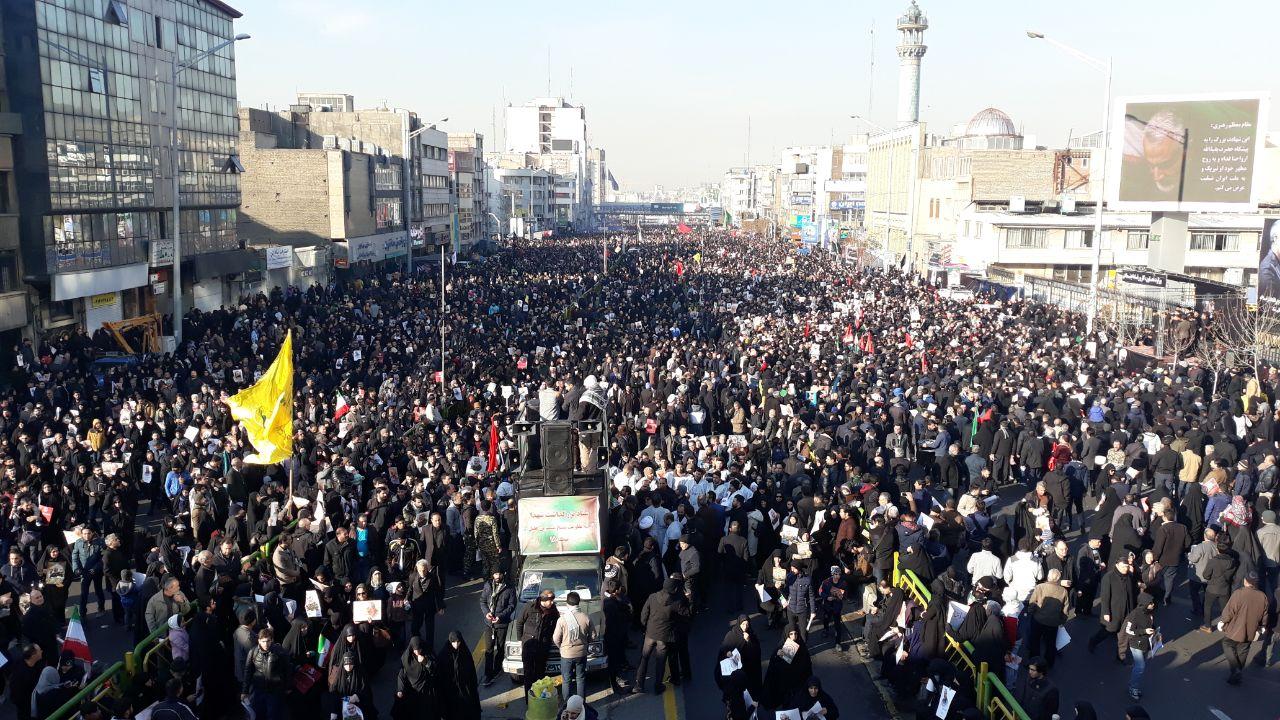 گزارش اختصاصی پایگاه خبری چهاردانگه از مراسم تشییع سردار شهید سلیمانی در تهران