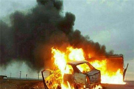 شهروند شیرگاهی خودروی خود را مقابل دادگستری مازندران آتش زد