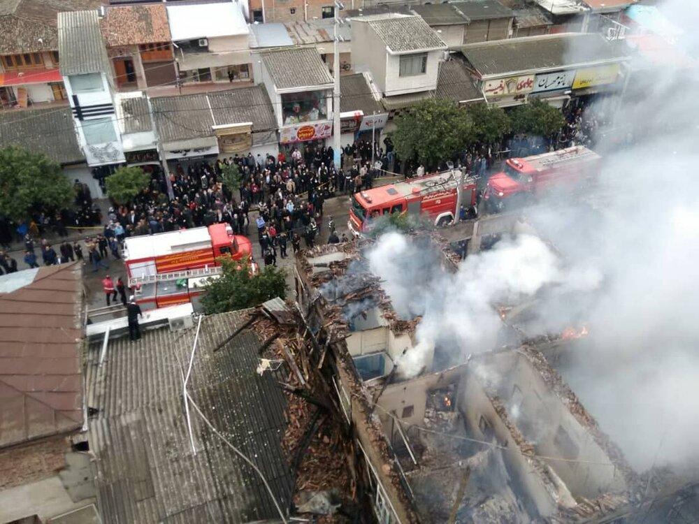 مصدومیت ۴ آتشنشان در عملیات مهار آتشسوزی در بابل