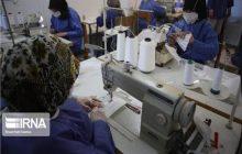 همکاری جامعه بسیجی قائمشهر در تولید ماسک و گان بهداشتی