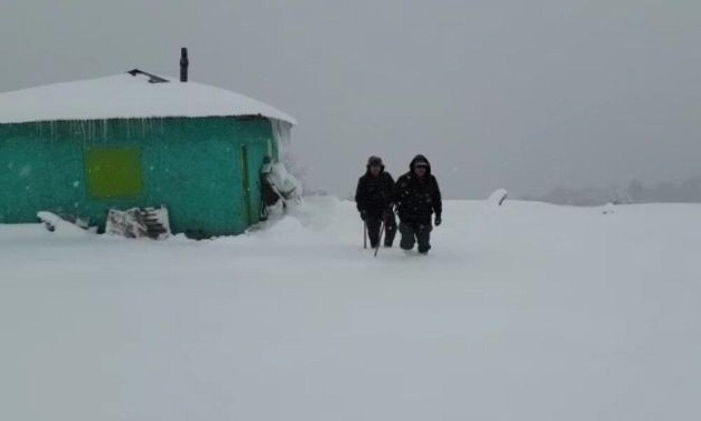 ایستگاه محیطبانی پابند در ارتفاعات برفی مازندران
