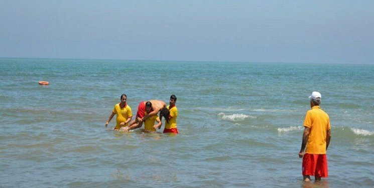 استقرار ناجیان غریق از فردا تا پایان هفته در سواحل شلوغ مازندران