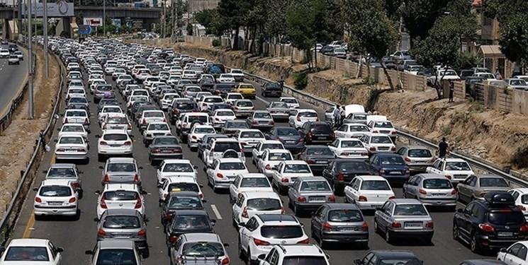 کاهش 27 درصدی تردد در محورهای مازندران/هراز و کندوان روز جمعه یکطرفه میشود
