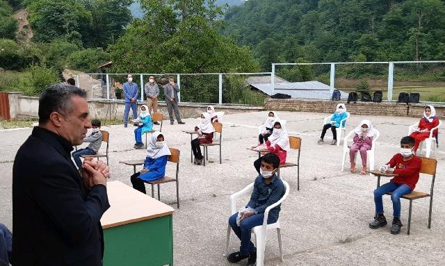 بازدید مدیرکل آموزش و پرورش استان مازندران از منطقه چهاردانگه