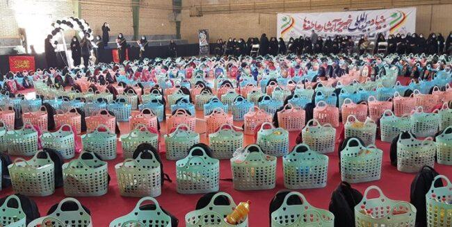 توزیع 200 بسته کمک مومنانه و 2 هزار پرس اطعامدهی در ساری