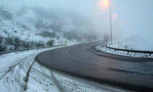محور کیاسر ـ سمنان بهدلیل شدت برف و بوران مسدود