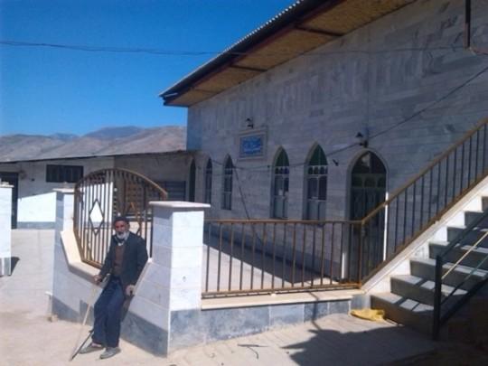 آیین غبار روبی از مسجد حضرت ابوالفضل (ع) روستای قلعه سر