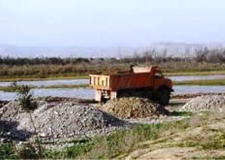 مجوزهای برداشت های  شن و ماسه از رودخانه های مازندران محدود شد