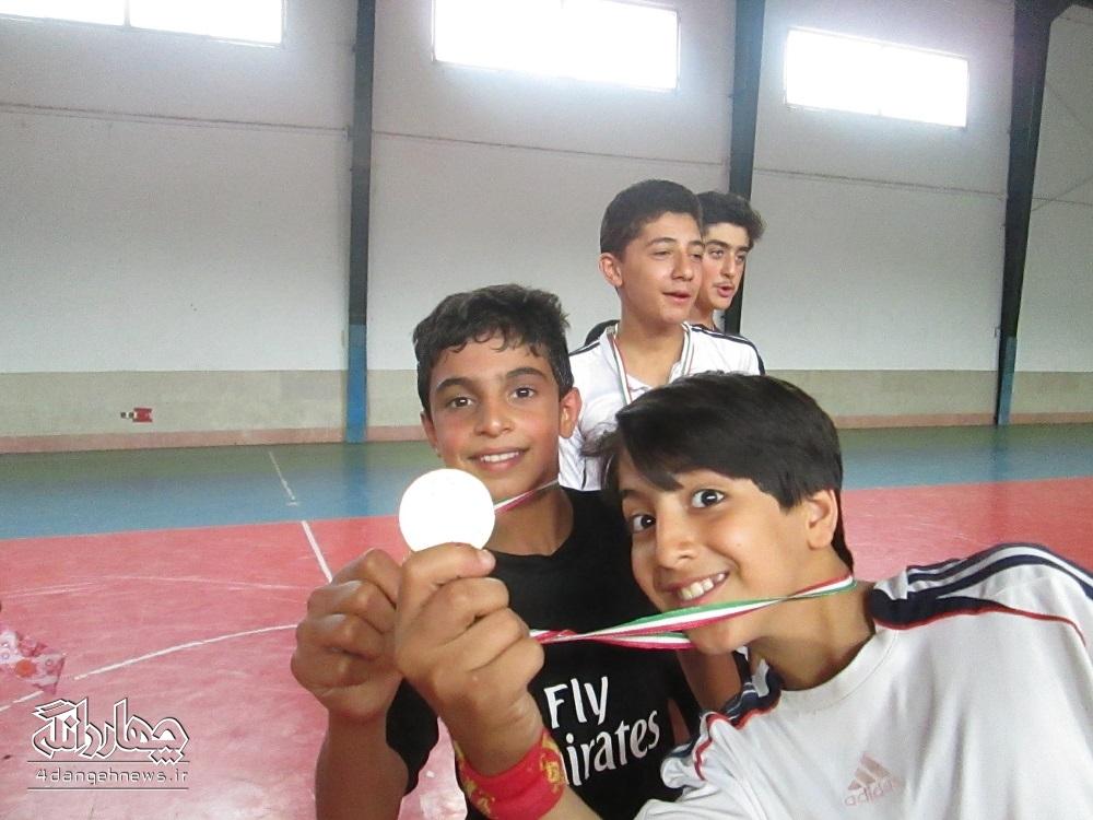 برگزاری مسابقات فوتسال زیر 14 سال در سالن مرحوم کردان+تصاویر