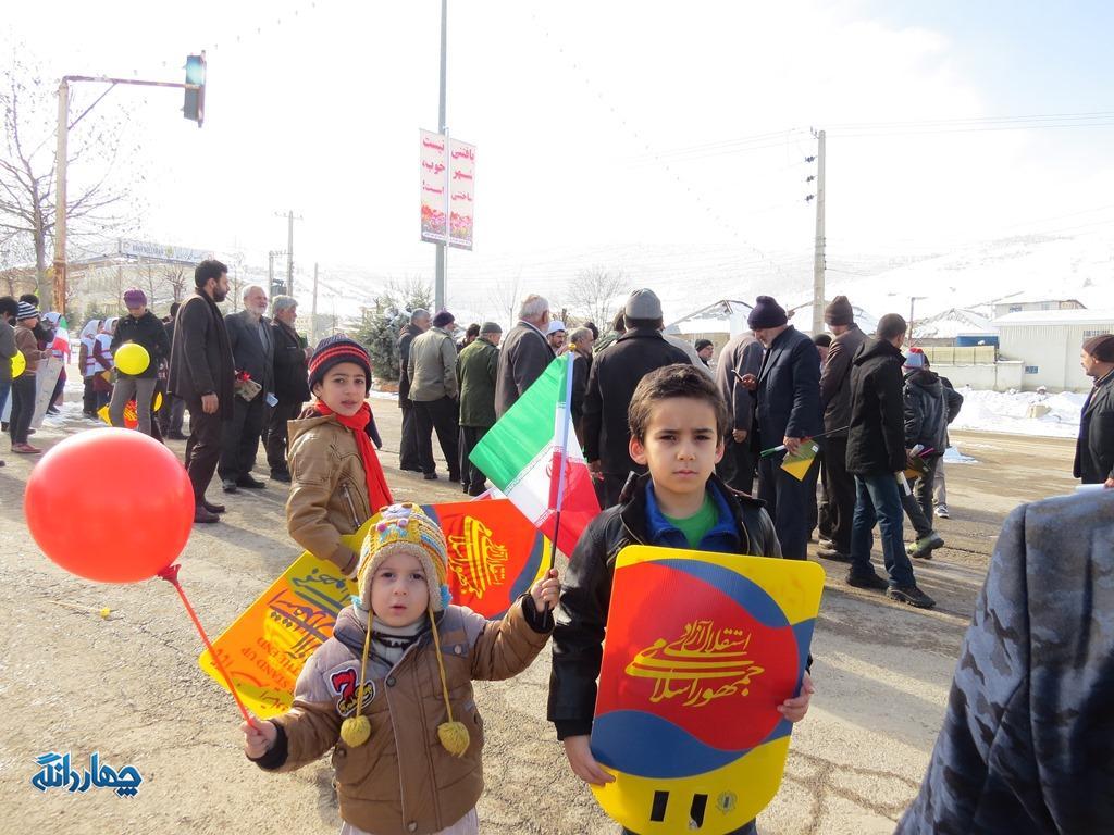 گزارش تصویری راهپیمایی ۲۲ بهمن مردم چهاردانگه در شهر کیاسر