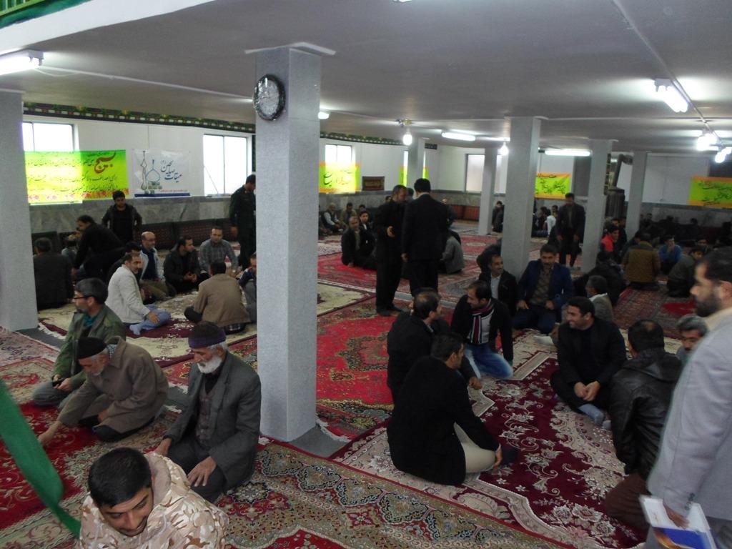 تشکیل حلقه صالحین و تقدیر از بسیجیان نمونه در نماز جمعه کیاسر+ تصاویر