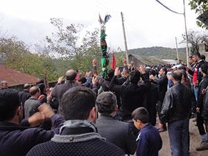 عزاداری مردم روستای ازنی ( دارالملک علی (ع) ) در روز عاشورا