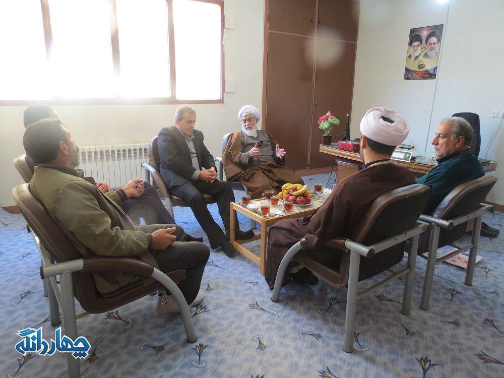 بازدید امام جمعه چهاردانگه از اداره برق شهر کیاسر + تصاویر