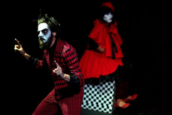 حضور یاسر خاسب با نمایش «رقص مرگ، بیلالا» در جشنواره ۳۴ تئاتر فجر