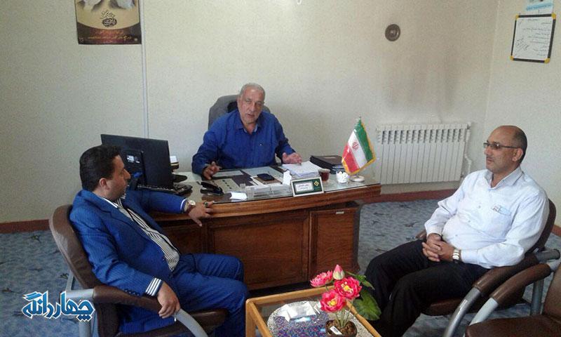 دیدار دو تن از اعضاء شورای بخش با رئیس اداره برق چهاردانگه