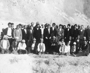 عکس قدیمی از بزرگان چهاردانگه (قلعه سر 1320 ه ش )