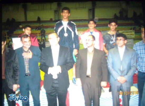 کسب رتبه سوم نوجوان چهاردانگه ای در مسابقات کشتی فرنگی قهرمانی استان