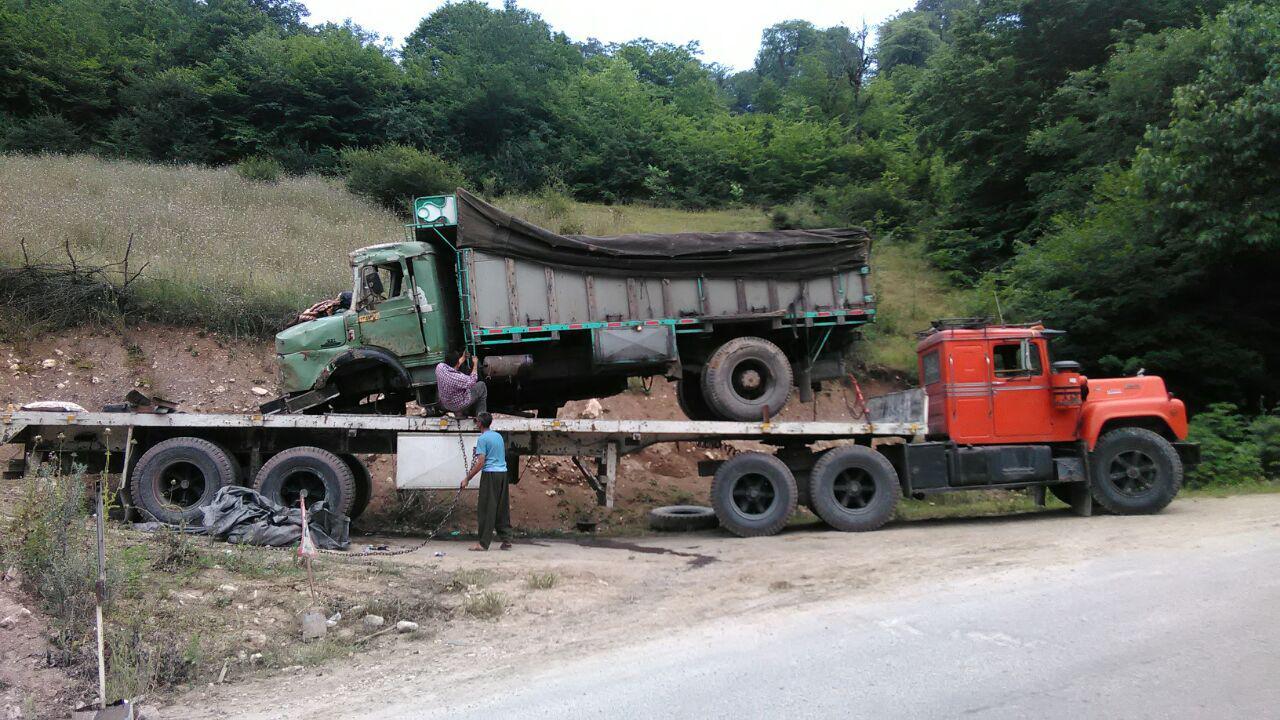کامیون هایی که بار تریلی شدند