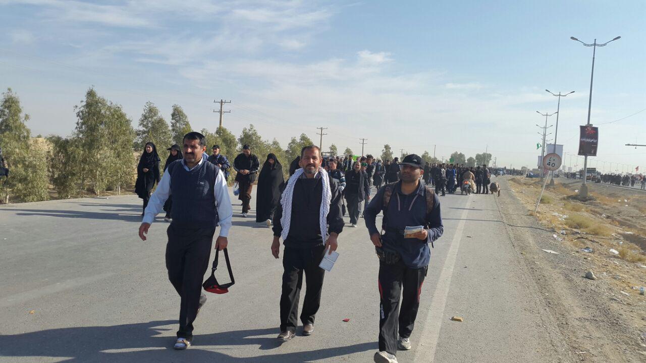 پیاده روی اربعین از نجف تا کربلا به یاد ۲۰۵ شهید بخش چهاردانگه+ تصاویر