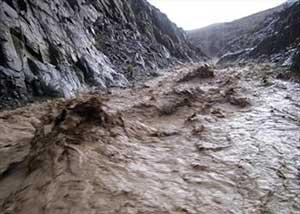 بسته شدن راه دسترسی به 10 روستا بر اثر سيل