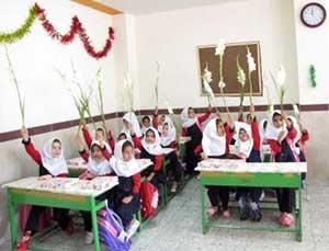برگزاري مراسم جشن شکوفه ها در مدارس ابتدایی منطقه چهاردانگه