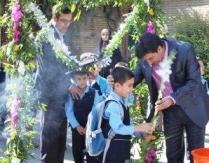 شروع سال تحصیلی 150 کلاس اولی در جشن شکوفه ها در چهاردانگه
