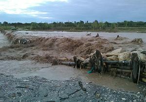 سیلاب سبب نشت گازوئیل به رودخانه تجن در ساری شد